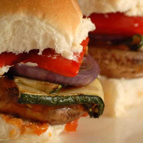 Chargrilled mushroom & vegetable slider
