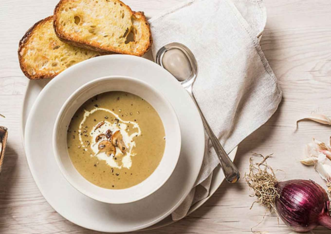 Creamy Mushroom and Thyme Soup